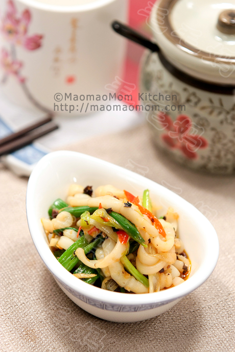 豉蒜葱辣小鱿鱼Squid stir fry in hot green onion garlic and fermented soy bean sauce